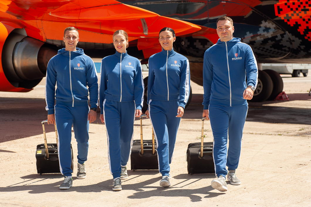 Flight attendants changed their uniforms to sportswear